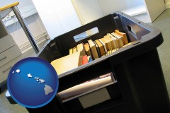 hi map icon and a moving box in an empty office, during a relocation project
